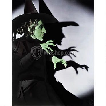 The Wizard of Oz: Margaret Hamilton as the Wicked Witch from the WB Photo Collection
