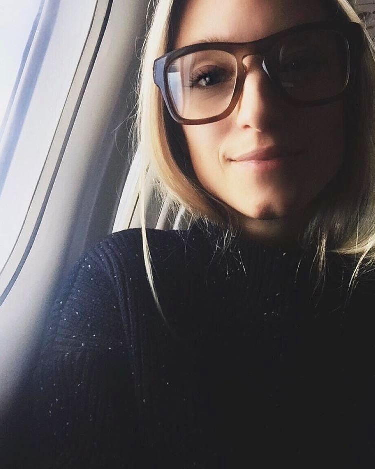 Pour ou contre les immenses lunettes de vue rétro ? (instagram The Fashion Guitar)