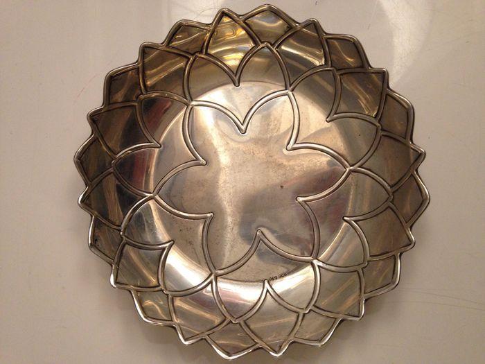 Online veilinghuis Catawiki: Zilveren schaaltje met lotusbloemdecor, 20e eeuw