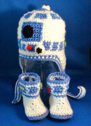R2D2 Set for Baby / Crocheted Star Wars Earflap Hat & Booties ...