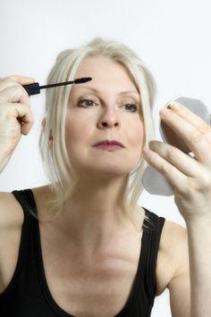Makeup Artists Share The Best Eye Makeup Tips For Aging Skin Makeup Tips For Older Women Makeup For Older Women Eye Makeup Tips