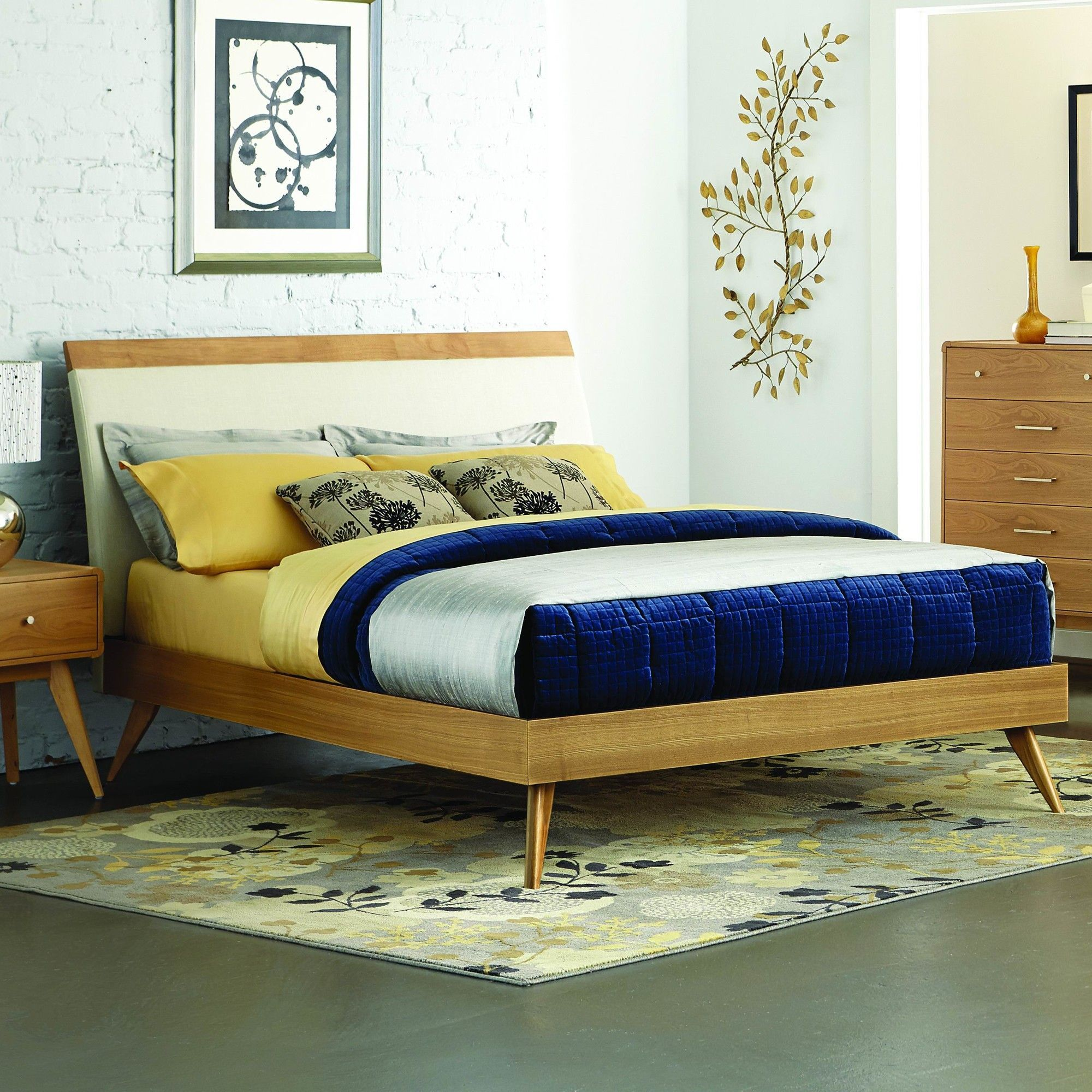 Anika Platform Bed I Want This And Nightstand So Much They Re Amazing Ll Also Take The Dresser While M Skiing Got Things Ill