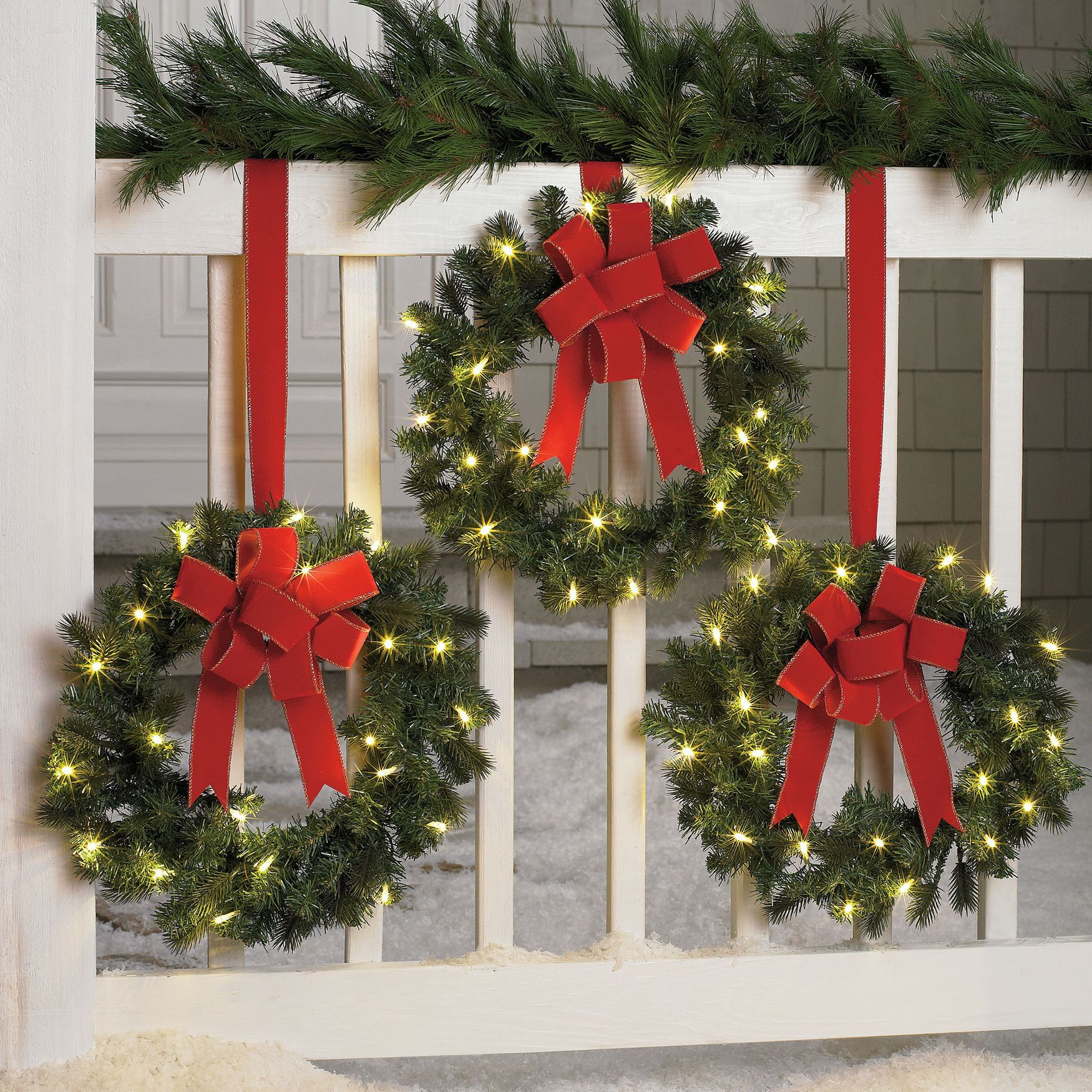 Set Of 3 Cordless Pre Lit Mini Christmas Wreaths - Outdoor