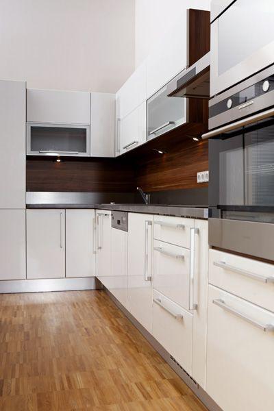 Cuisine newzone fait du refacing de cuisine dans la r gion for Armoire de cuisine verdun
