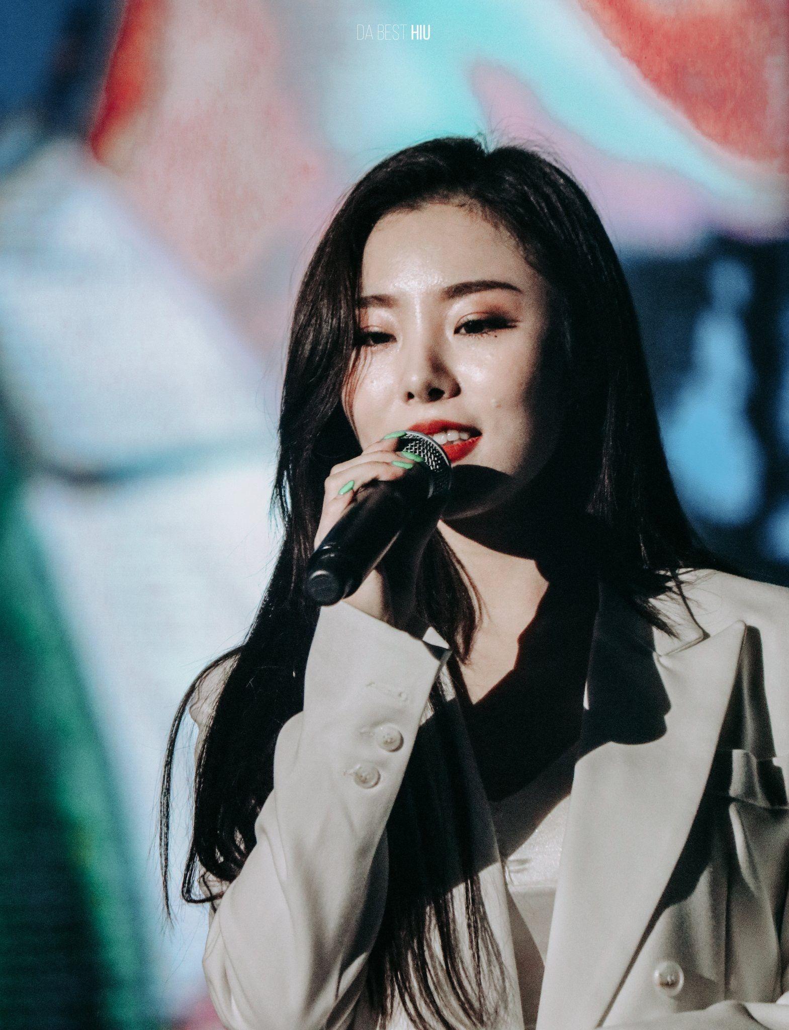 Wheein L Concert In Daegu L 2019 Wheein Mamamoo Mamamoo Korean Idol