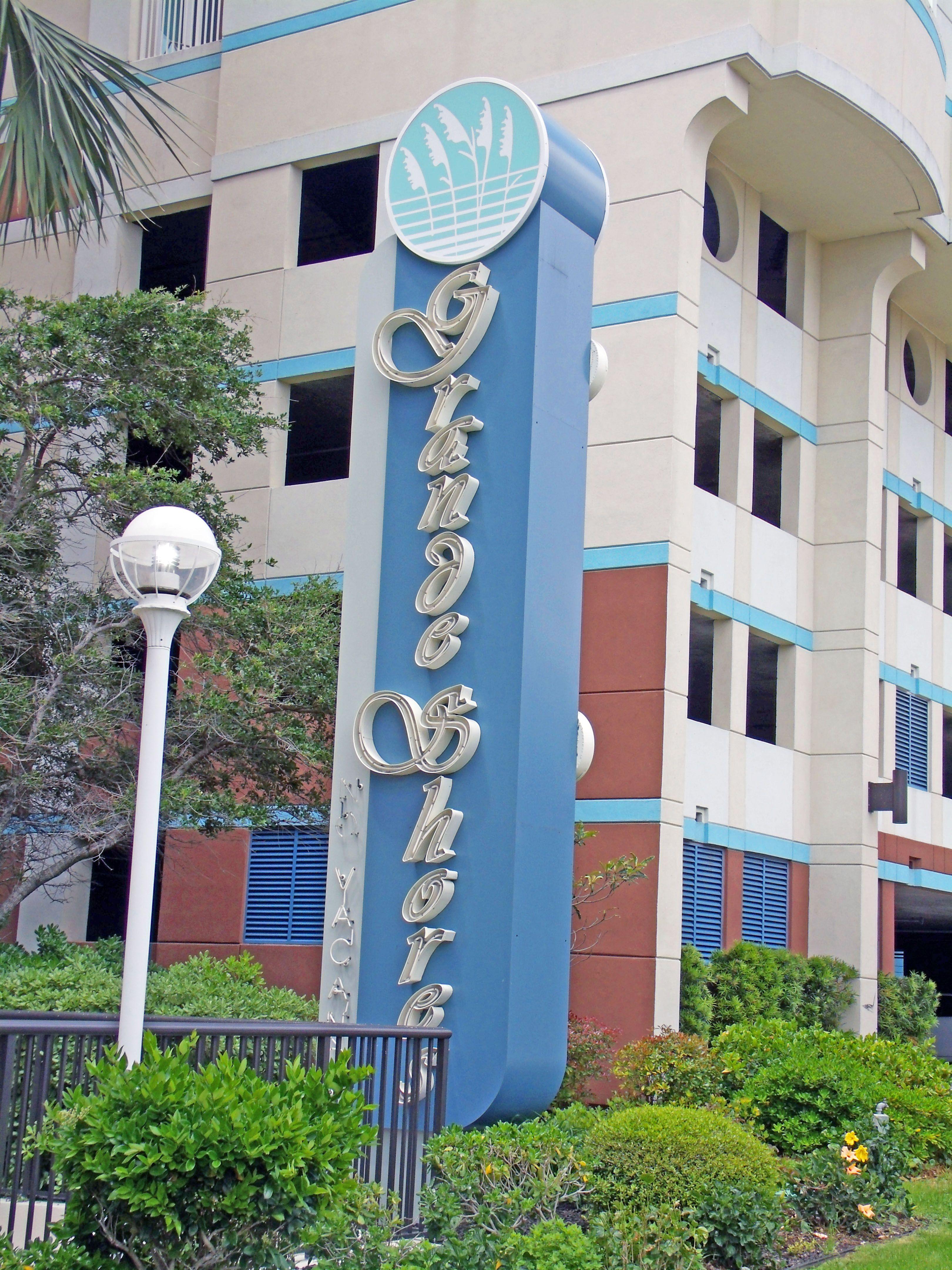 Oceanfront Hotels In Myrtle Beach Sc Grande Shores Ocean Resort Myrtle Beach Hotels Myrtle Beach Ocean Resort