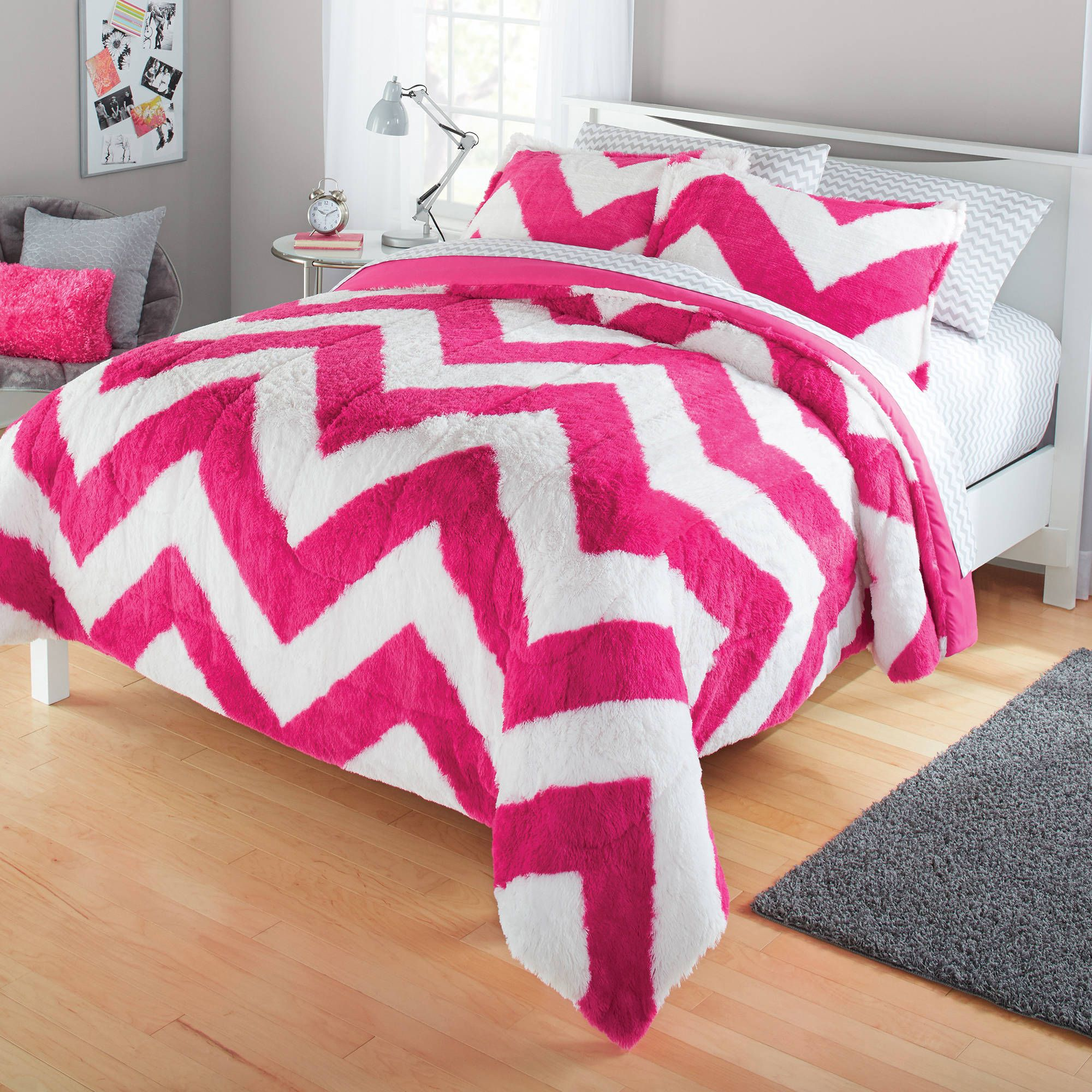 Search and Compare more Bedding Deals at http://extrabigfoot.com ...