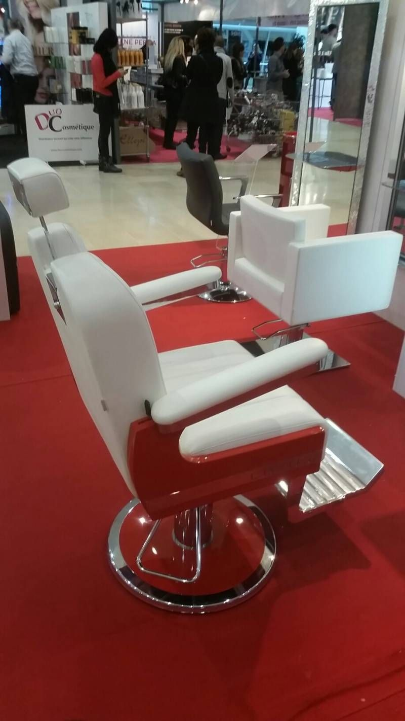 fauteuil de barbier pro pour salon coiffure rouge make up station pinterest fauteuil de. Black Bedroom Furniture Sets. Home Design Ideas
