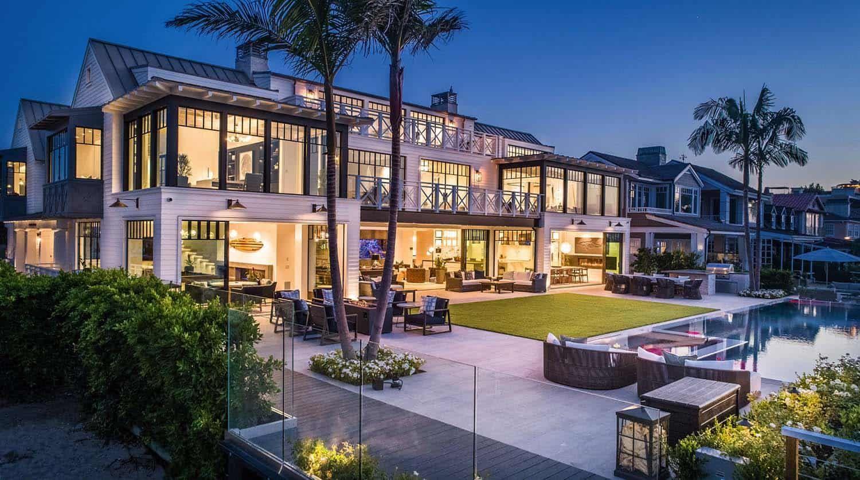 Absolutely Fabulous Modern Beach House On The Newport Peninsula Modern Beach House Newport Beach House Beach Mansion