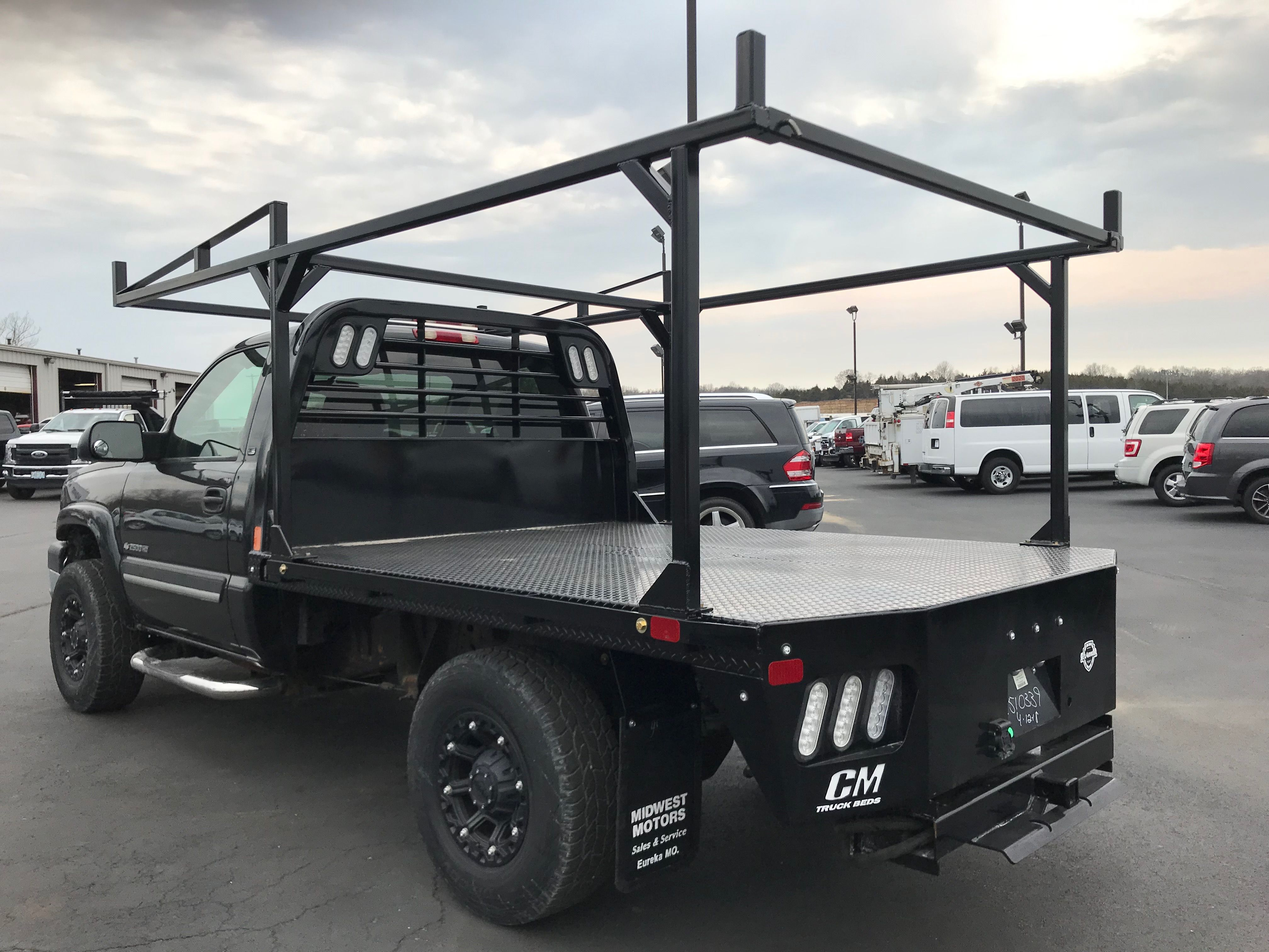Pin By Julio On Truck Beds Flatbeds Service Bodies Dumpbeds Utility Truck Beds Truck Bed Trucks