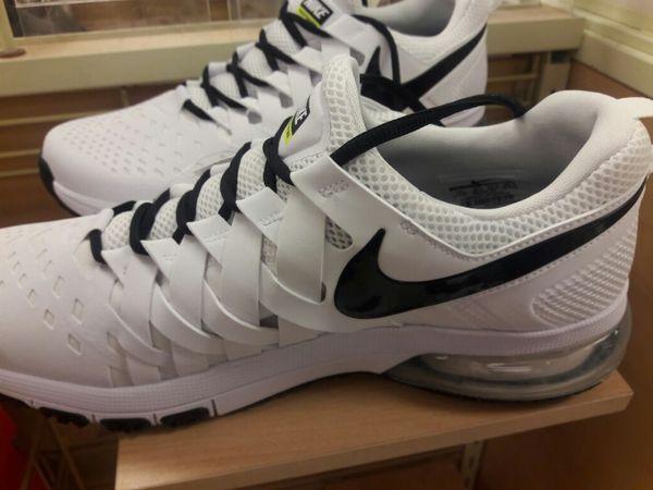 Men's Nike..Fingertrap Max TB Size 11.5 Sneakers White Black