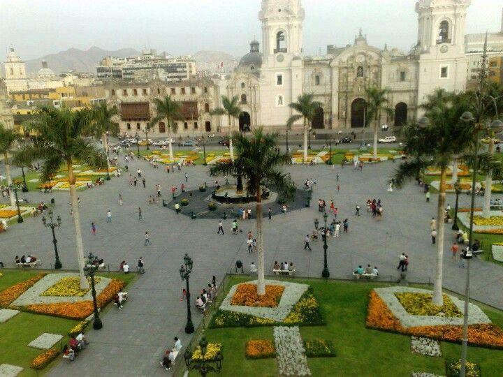 La Plaza de Armas Lima, Peru