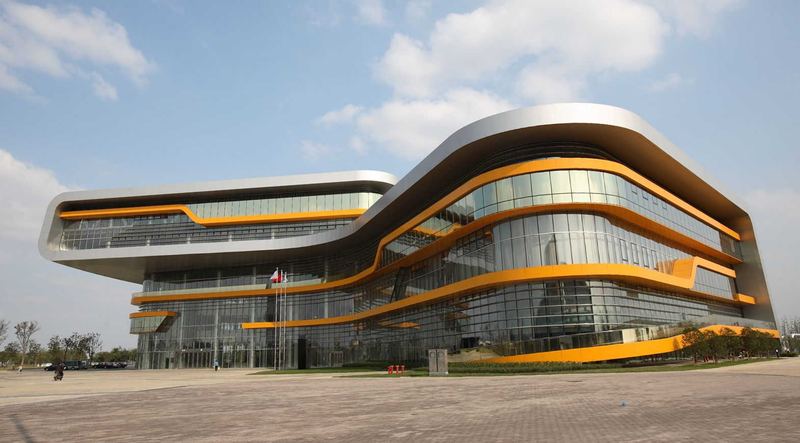 Curved Architecture Curved Double Skin Facade Google Search Academy Design