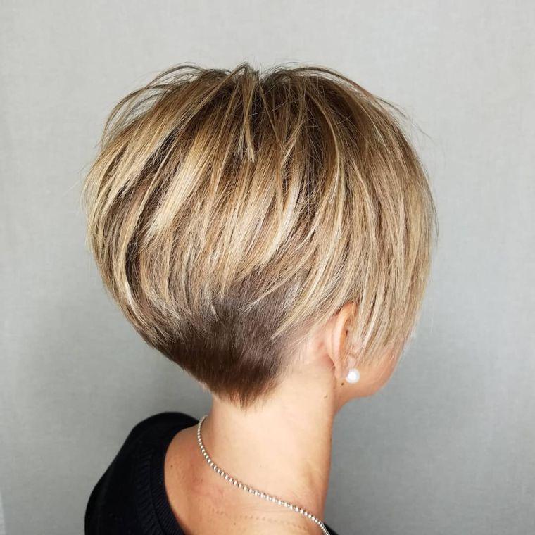 Zoom sur la coupe dégradé court femme : venez découvrir nos idées de coiffures et de couleurs de ...