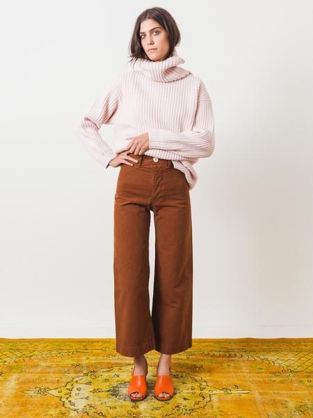 jesse-kamm-skin-tone-34-kamm-pants-on-body