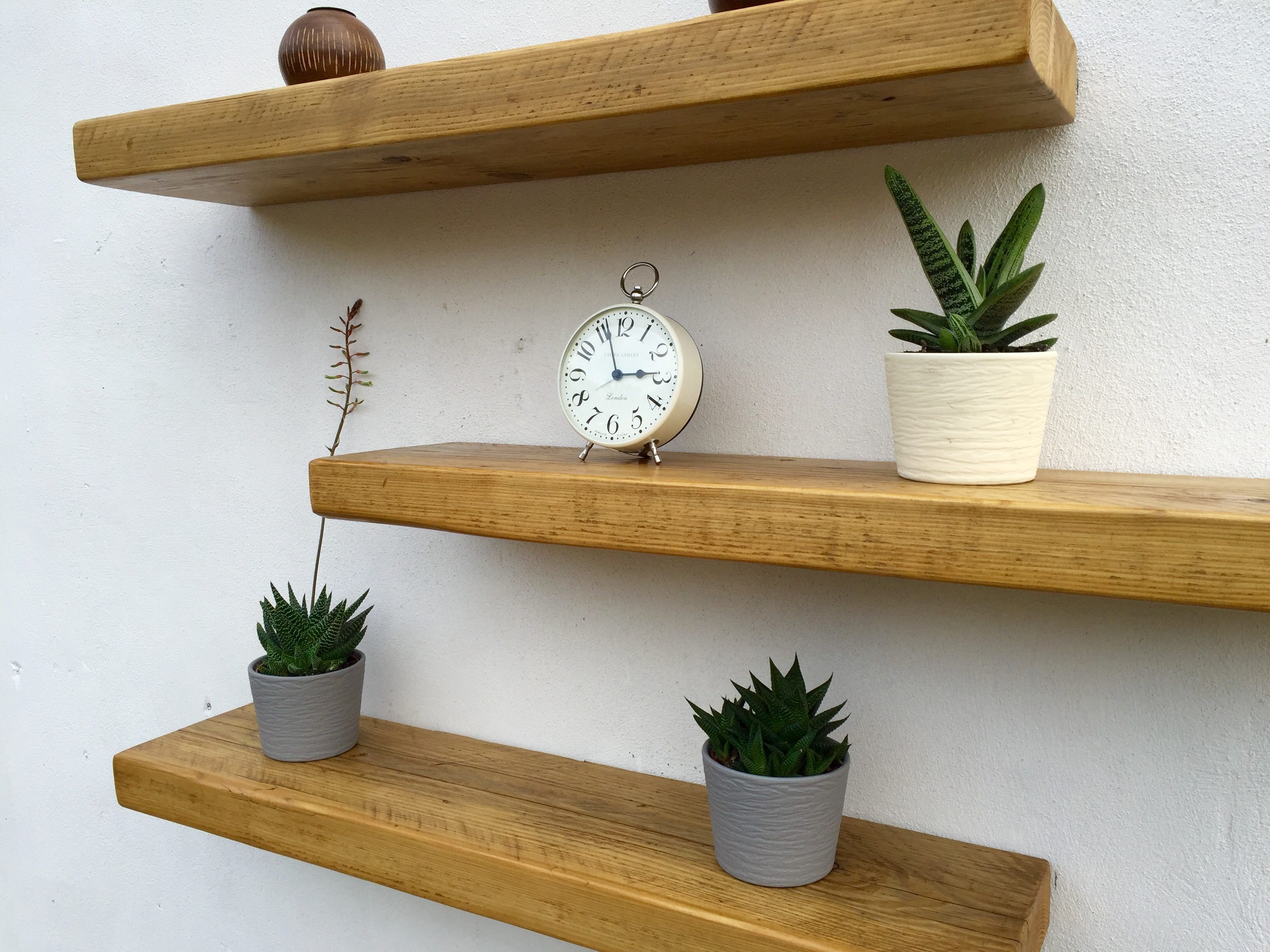 Shelves of plasterboard in the bathroom, on the wall, under the TV (photo). How to make a shelf of plasterboard do it yourself Corner shelves of plasterboard 1