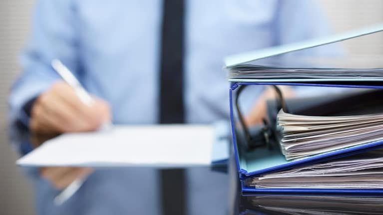 Hr alert uscis reminds employers to address form i9