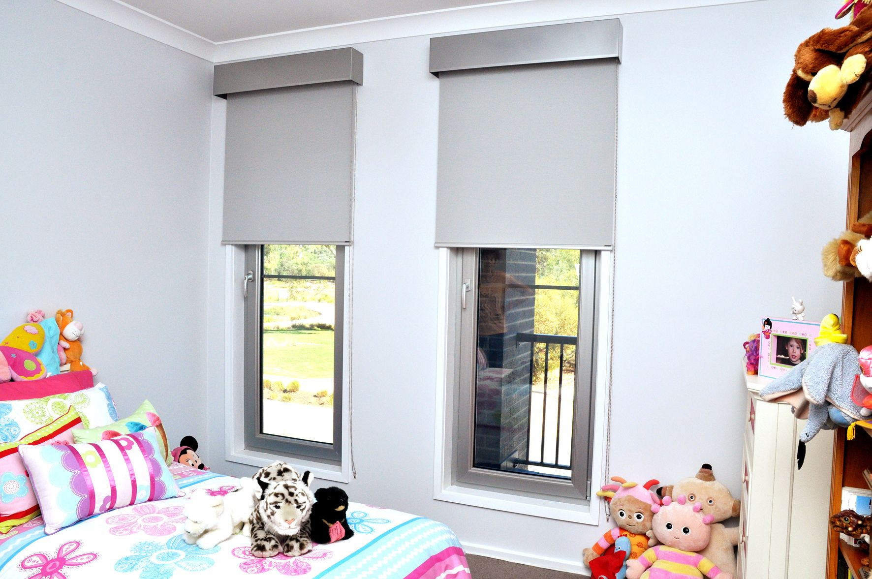 aluminium pelmets with roller blinds childrens room - Blinds For Baby Room