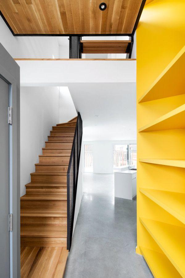 House That Uses Zig Zag Design to Maximize Sunlight Diseño - diseo de escaleras interiores
