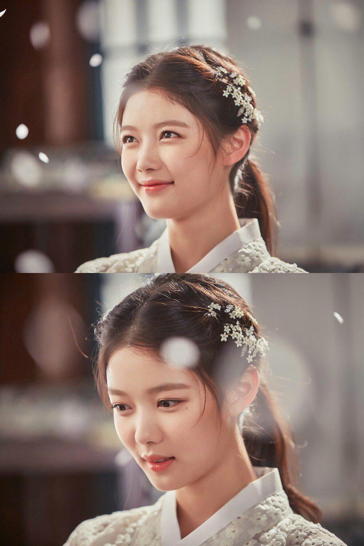 ผลการค้นหารูปภาพสำหรับ kim yoo jung love in the moonlight sidus