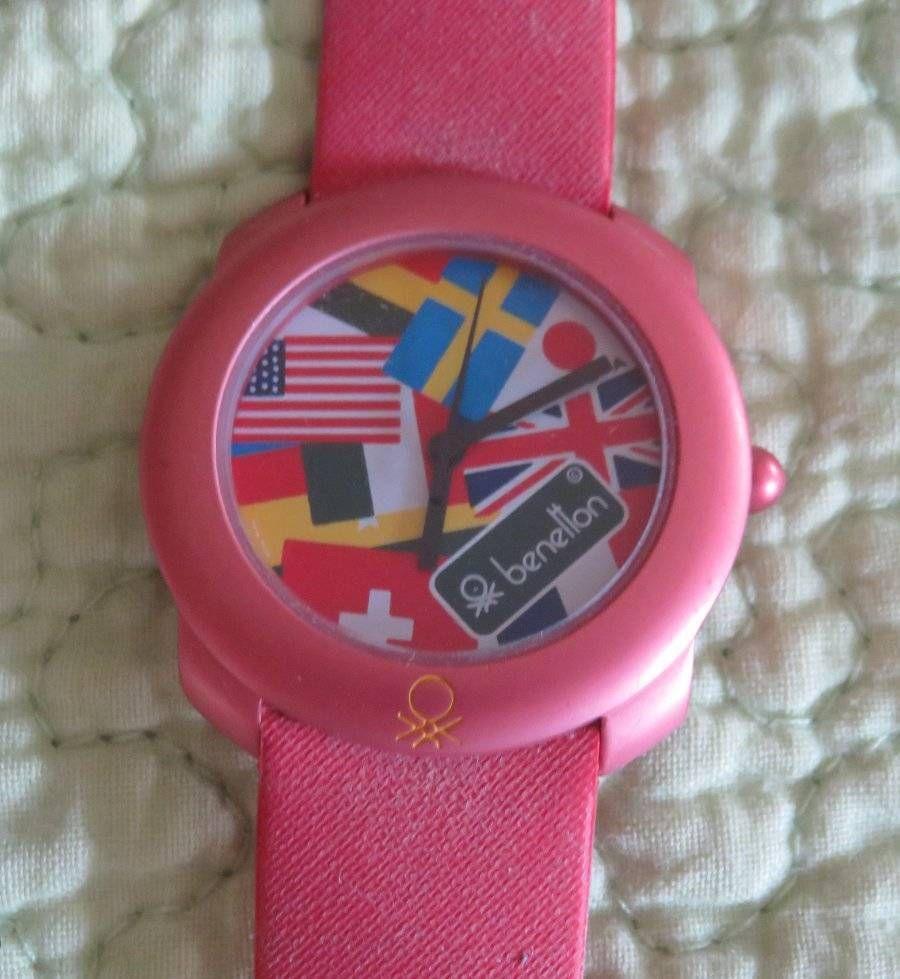 87c2f8da91e    SOLD    Vintage BENETTON by Bulova Red International Flags WATCH  Wristwatch Need Battery  UnitedColorsofBenetton  Benetton  Bulova   Wristwatch  Watch ...