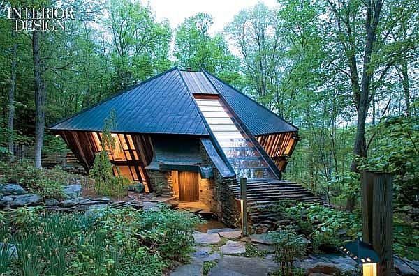 A Force Of Nature Nancy Copley S Iconic Upstate New York Residence Forest House Architecture Unique Houses