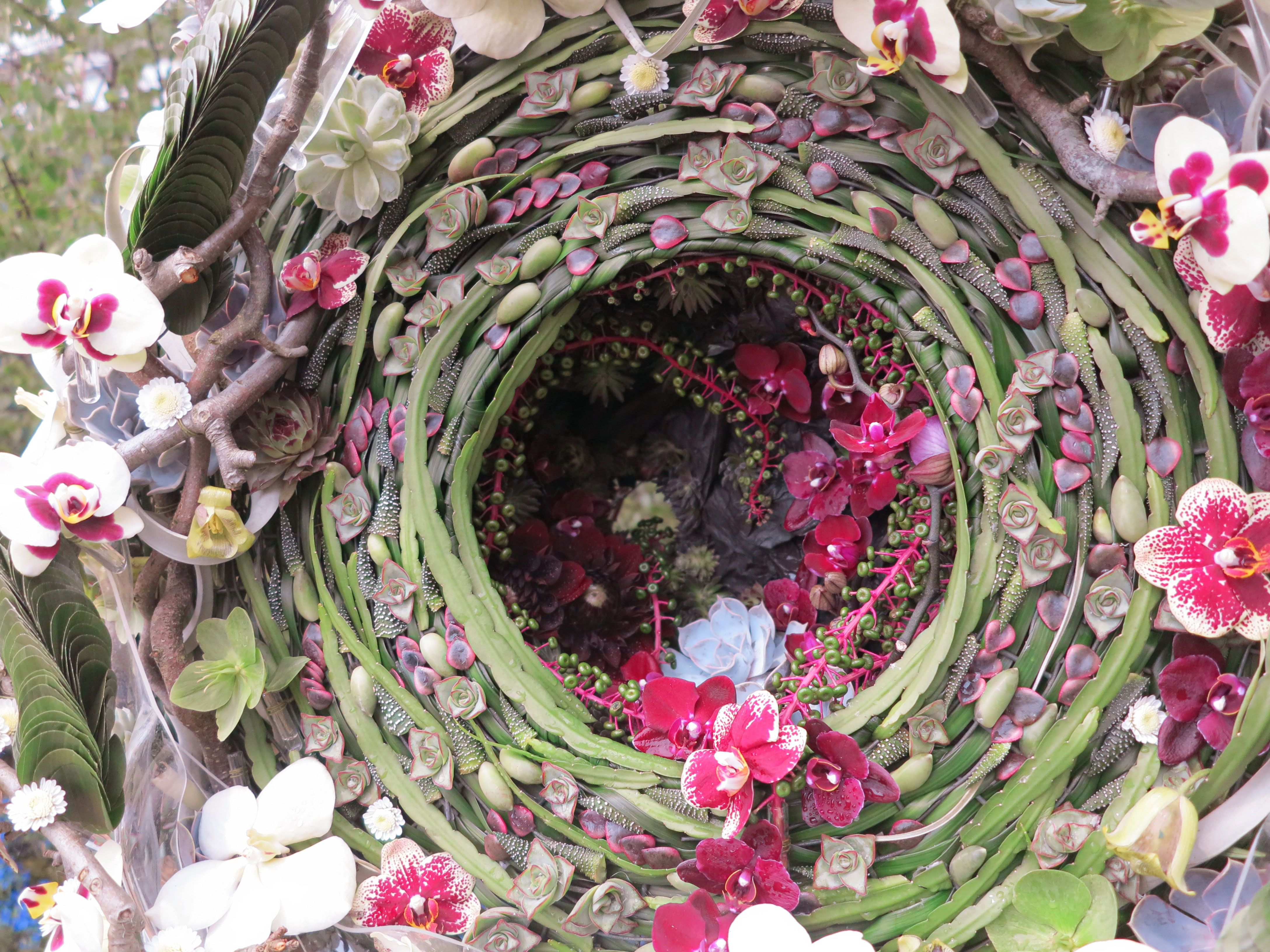 Laura Leong S Floral Vortex Winner Of Rhs Chelsea Florist Of The