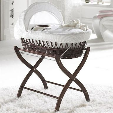 Izziwotnot White Gift Wicker Moses Basket - Dark | Moises, Para ...