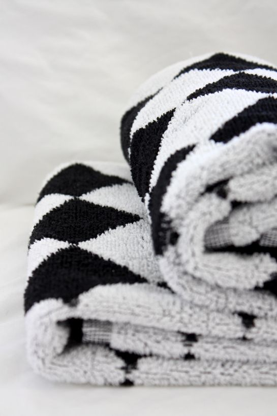 homevialaura | chess pattern | Sokos House Pick'n mix | black and white | hand towels