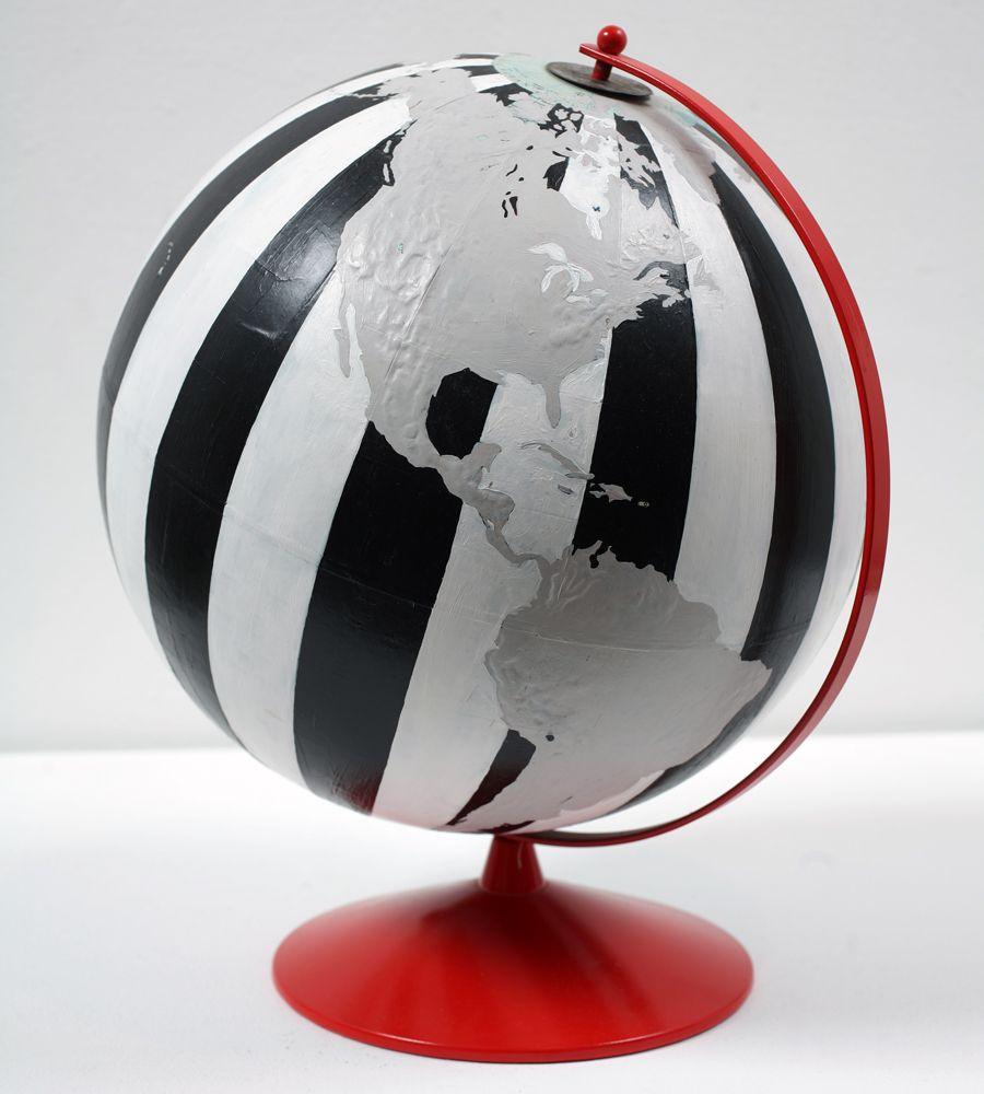 dylan egon globe black white red art globes in 2019 globe blanc globe terrestre. Black Bedroom Furniture Sets. Home Design Ideas