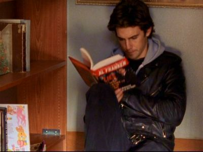 Loved Jess on Gilmore Girls. Once again proving that sexy guys read books.