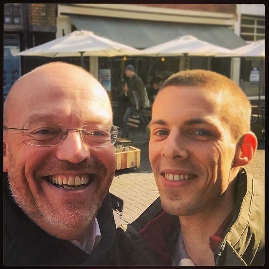 """Na een laatste koffie samen een 'afscheids #selfie"""" met @jochemspoor voordat hij morgen naar't buitenland vertrekt..."""