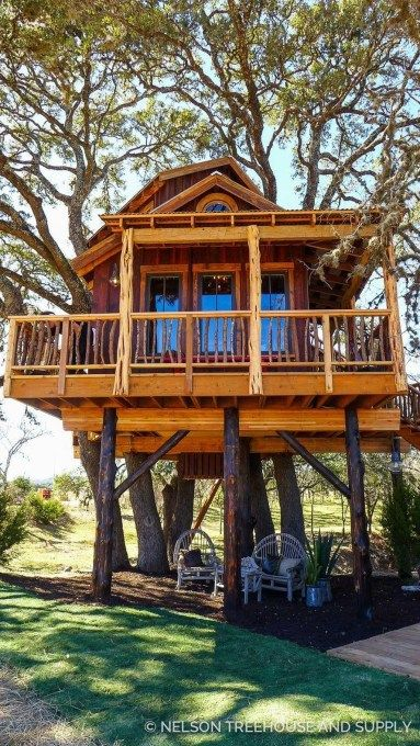 Awesome Treehouse Masters Design Ideas Will Make Dream 42 Tree House Tree House Designs Cool Tree Houses