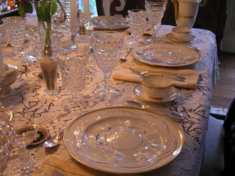 Example of a mixed table setting using some of the Fostoria American ...