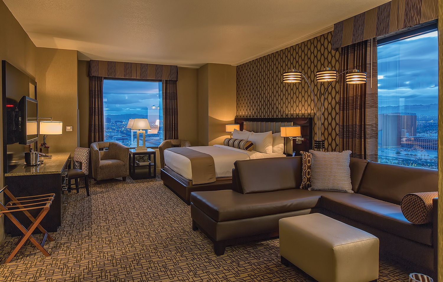 RUSH TOWER GOLD CLUB ROOM BE AMONG THE FIRST TO EXPERIENCE