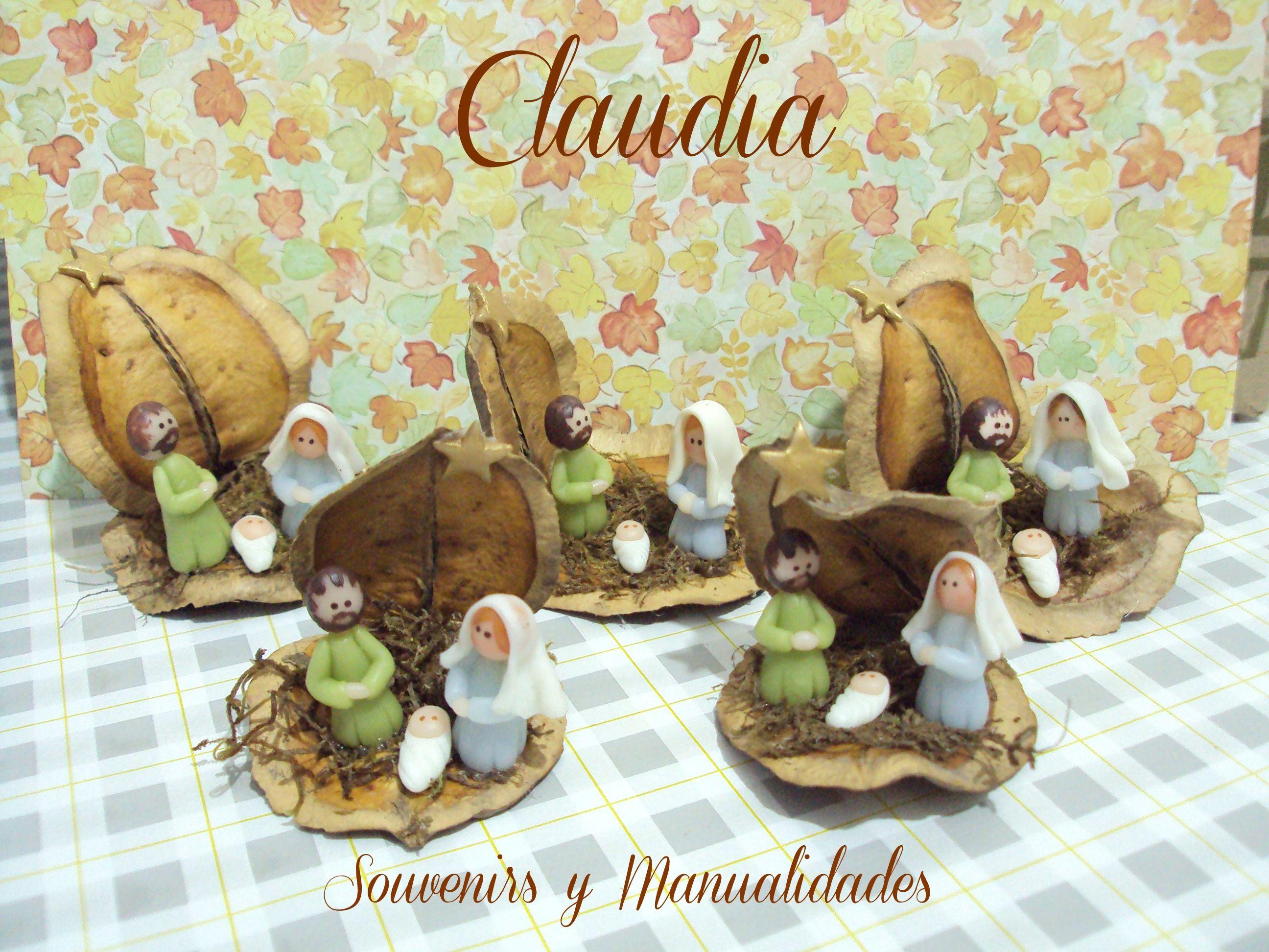 Pesebres en vainas de jacarandá. Hecho por Claudia Leguizamón .-
