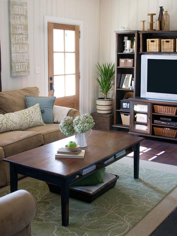 From http://www.hgtv.com/decorating/accessorize-your-home-for-spring/pictures/index.html