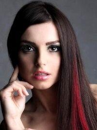Brown Hair With Red Streaks Red Hair Streaks Red Brown Hair Hair Highlights