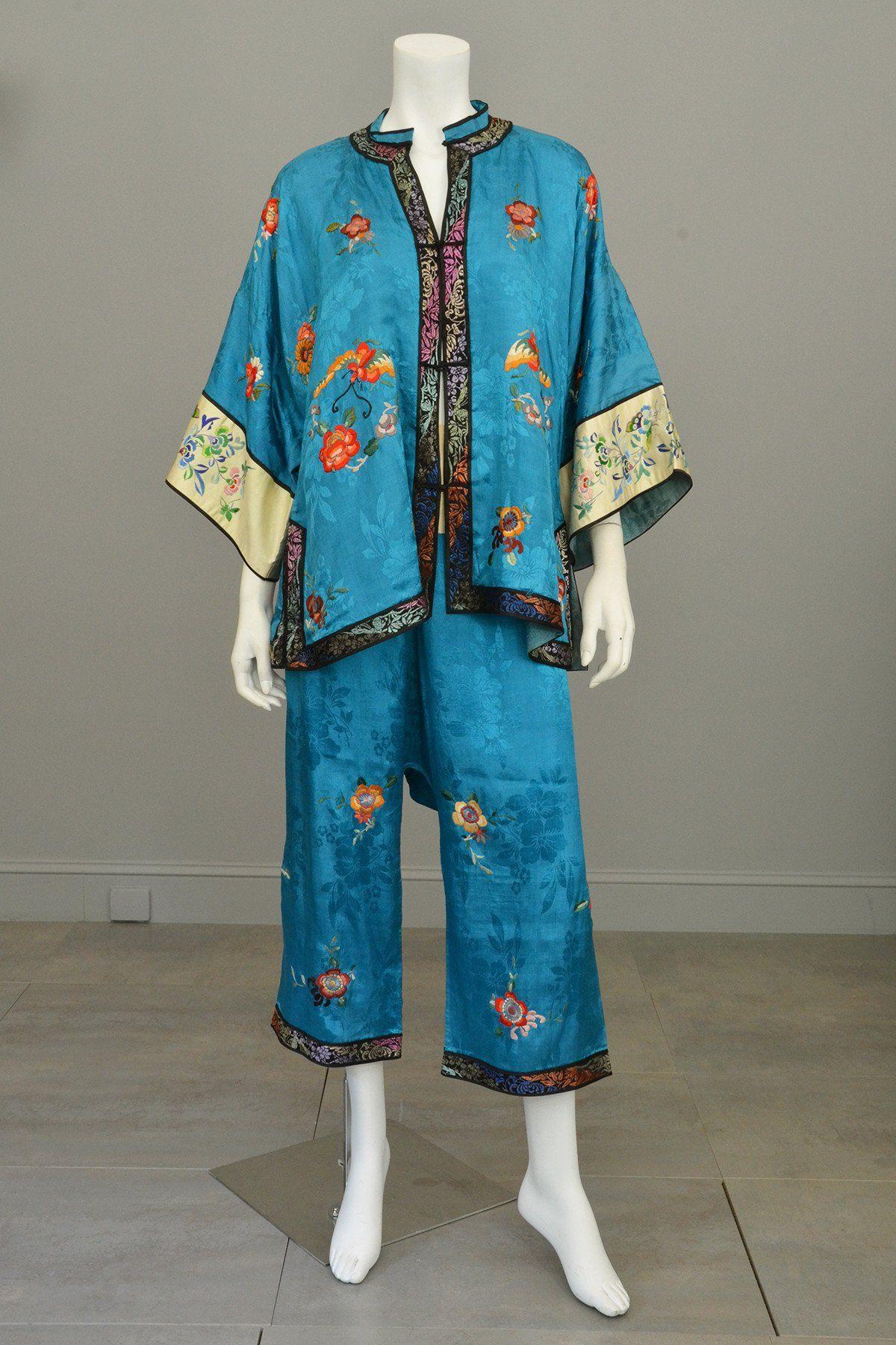 1930s Embroidered Chinese Silk Pajamas Loungewear Beach Pajamas Wide leg  Pants from VintageVirtuosa f85517a64
