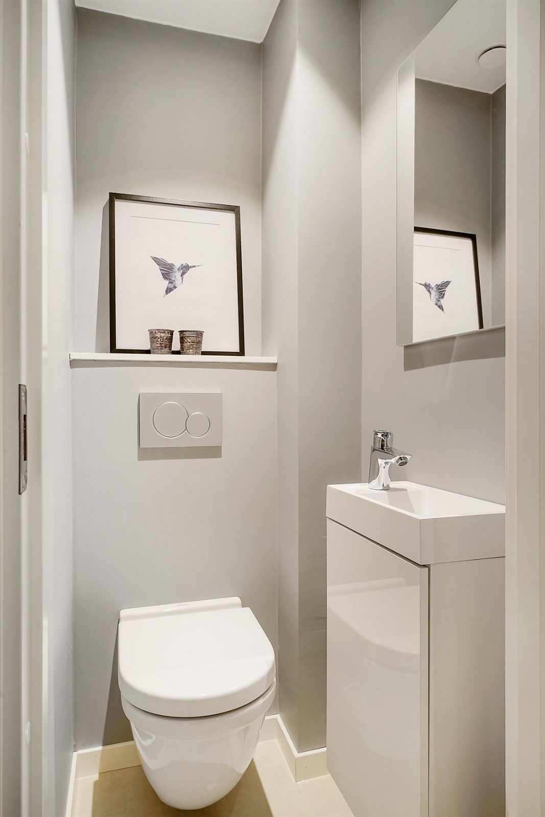 Impress Your Visitors With These 14 Cute Half Bathroom Designs