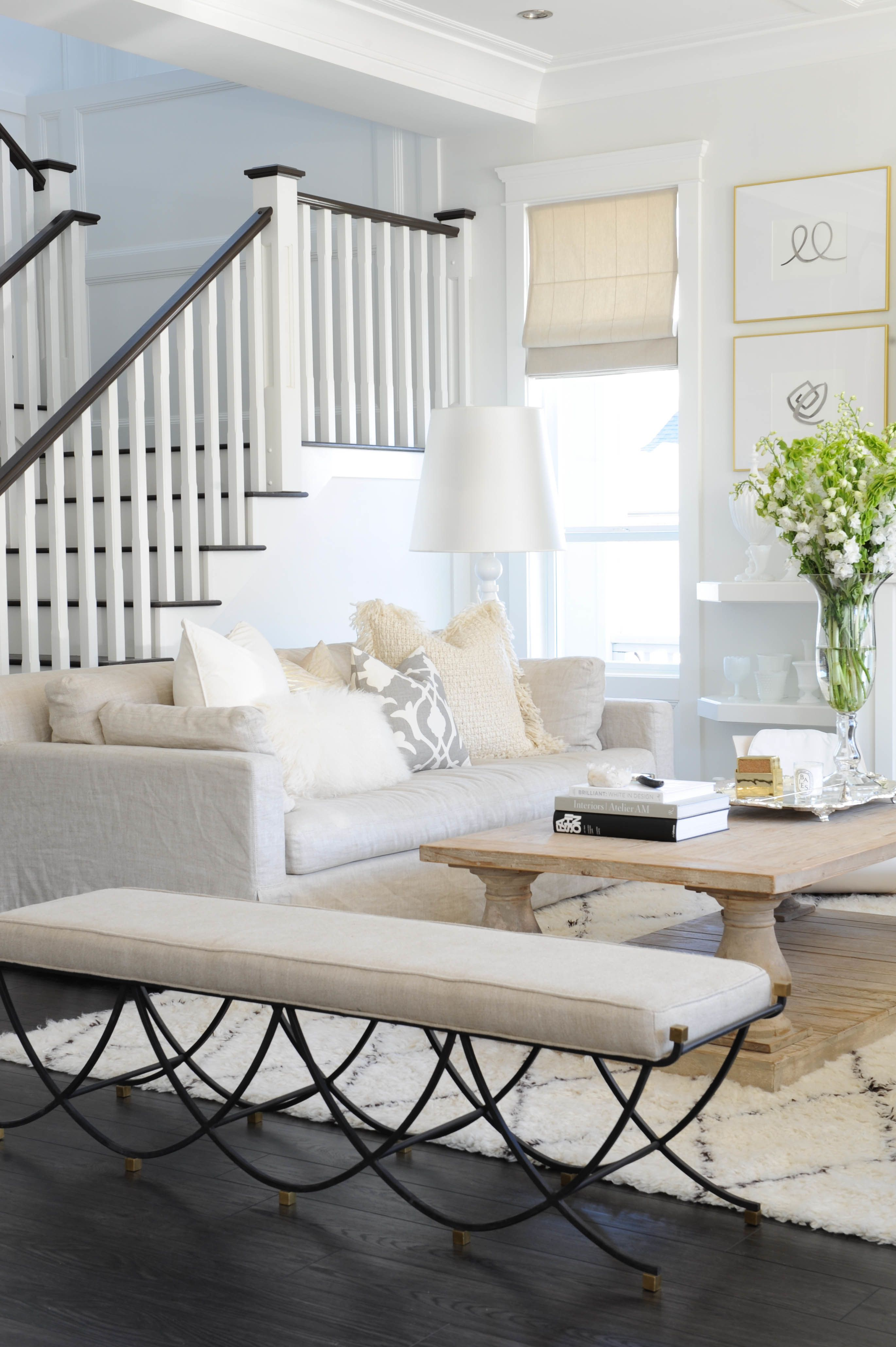 Neutrals + a Pop of Pink Win In this Blogger Home | Neutral, Living ...