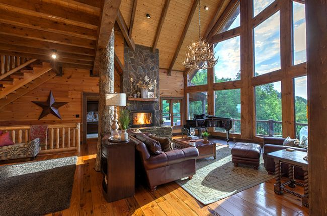 Royal Mountain Lodge Cabin Rentals Of Georgia Spacious Living With Wood Burning Fireplace Leather Fu Mountain Lodge Blue Ridge Cabin Rentals Cabin Rentals