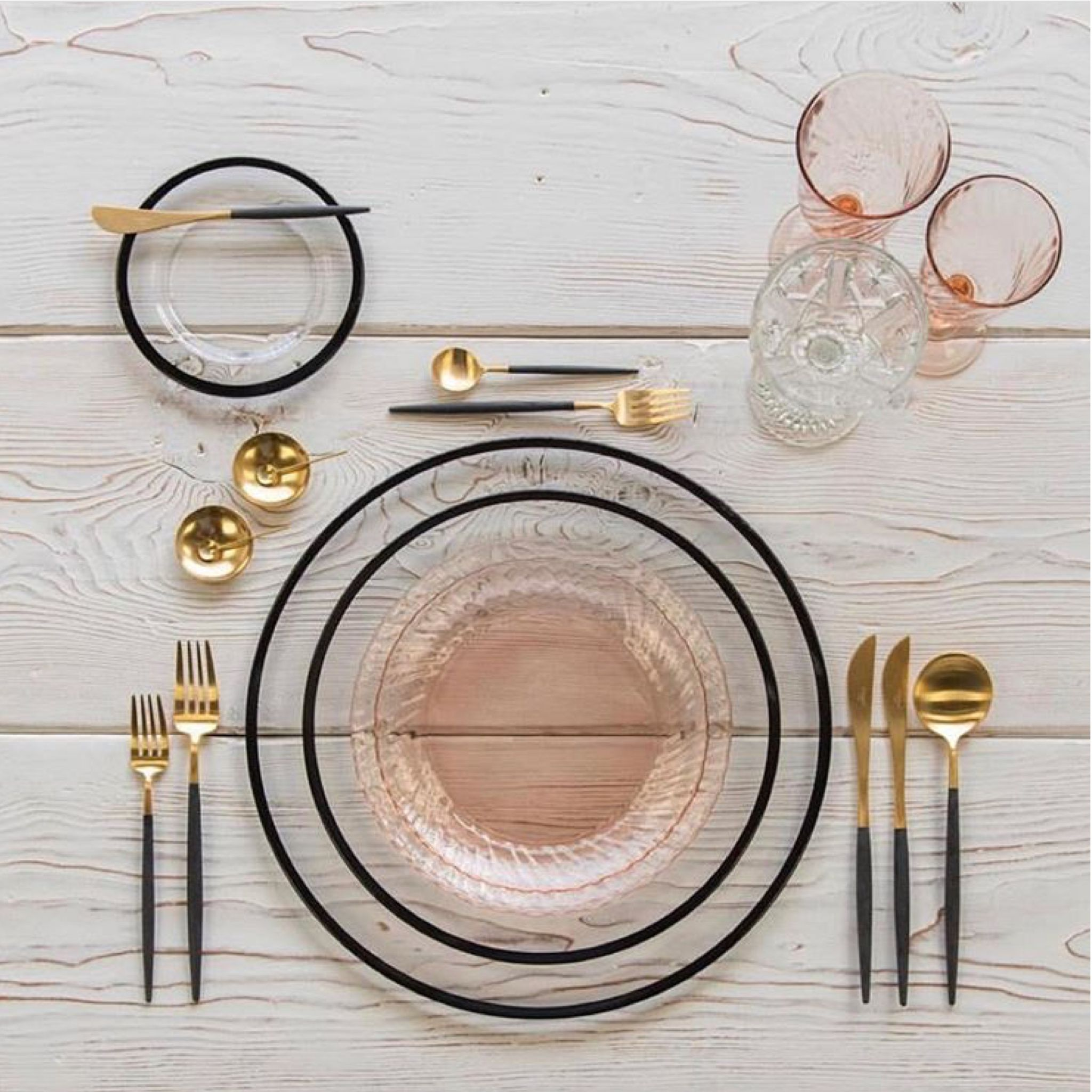 Blush Clear And Black Plates With Gold Flatware And Black Handles Cb2 Modern Tableware Gold Blush Clea Flatware Table Modern Table Setting Gold Flatware