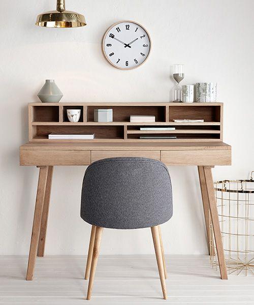 Der Kleine Schreibtisch Lis Von Hübsch Interior Ist Skandinavisches Design  Pur. Denn Der Holzschreibtisch Vereint Design Inspirations