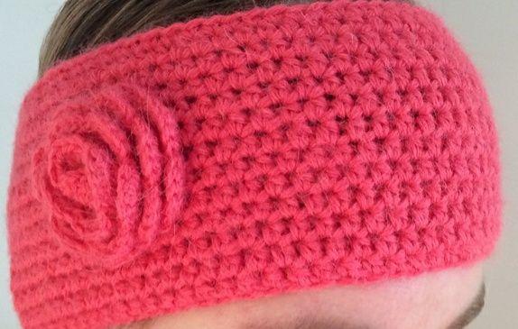 Heklet pannebånd i myk Alpacka-ull. Passer til hodestørrelse ca 55-57 cm. Bringebær, rosa, korall