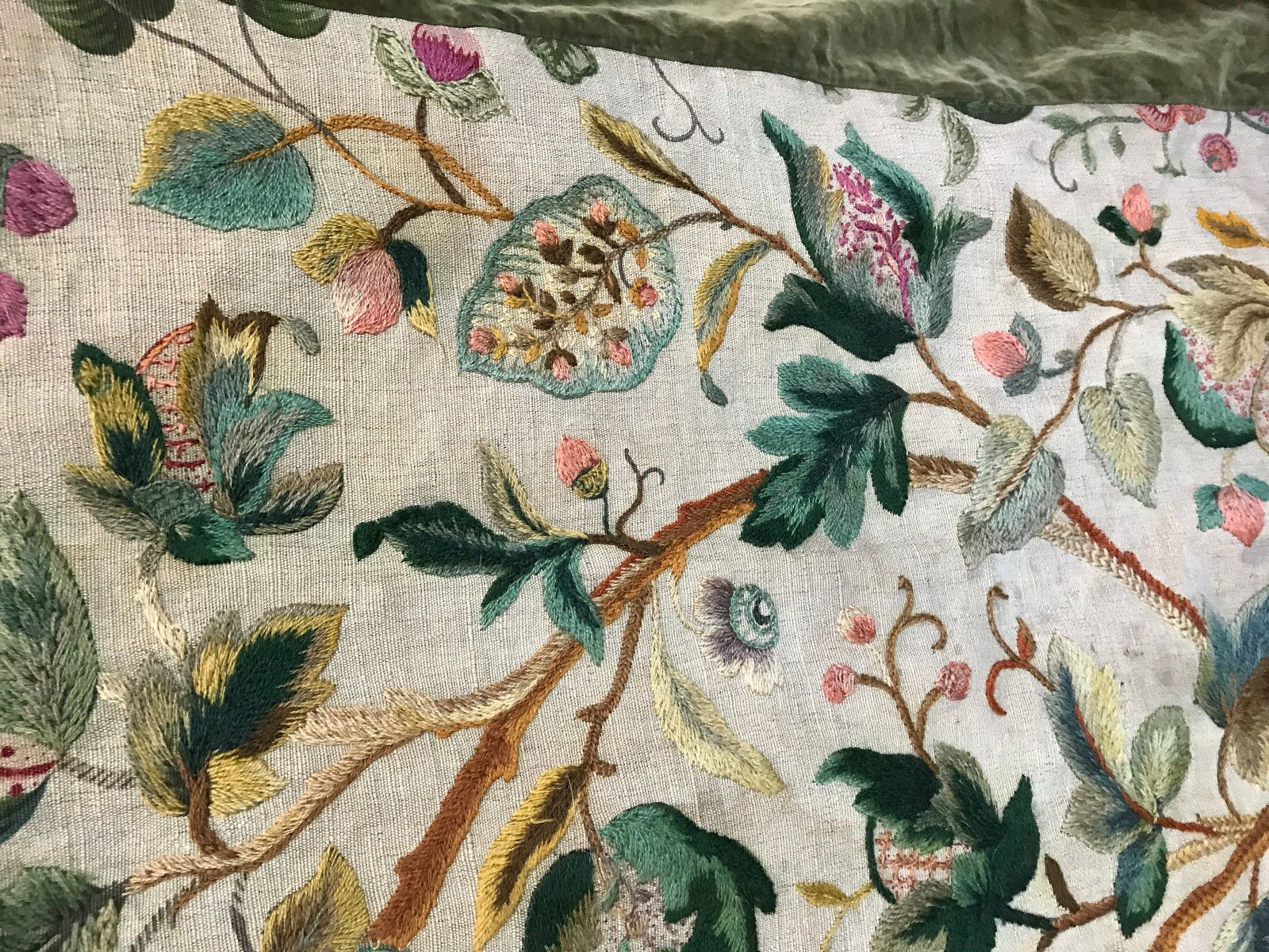 Antique English Crewelwork Embroidered Jacobean Flowers Leaves Antiques