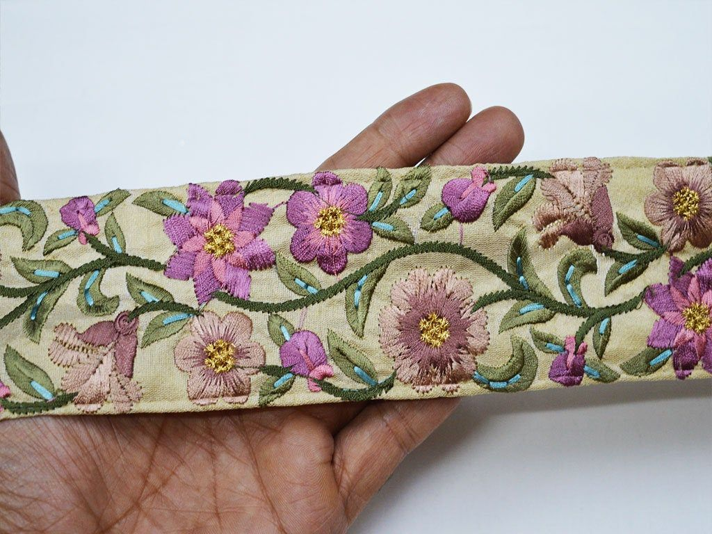 Wholesale Lavender Decorative Sewing Crafting Trimming Fabric Trim Embellishment Embroidered Indian Laces By 9 Yard Saree Sewing Crafts Fabric Trim Sewing Lace