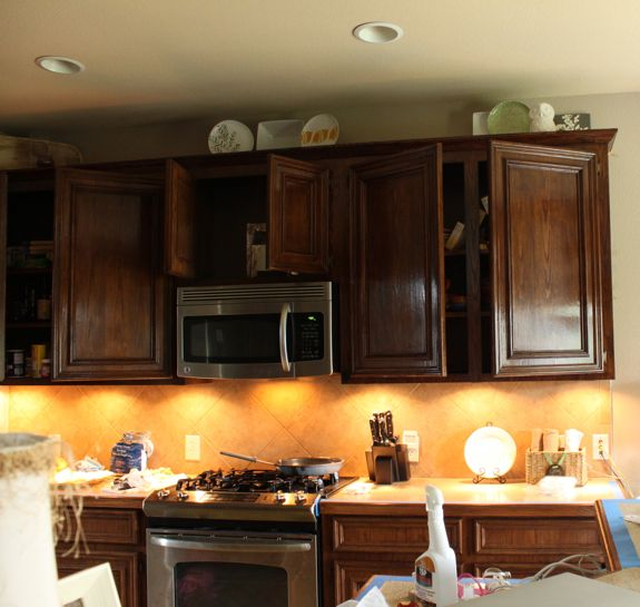 Restain Oak Kitchen Cabinets: Good Tutorial On What To Do And Not Do While Staining