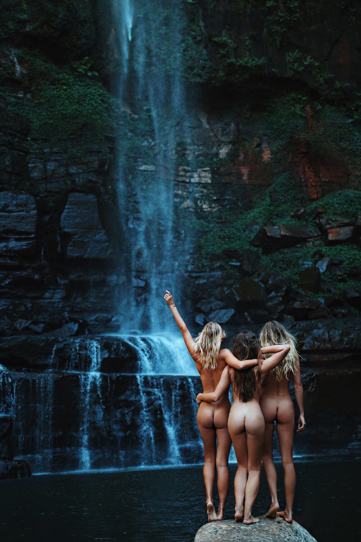 Nude girls need money