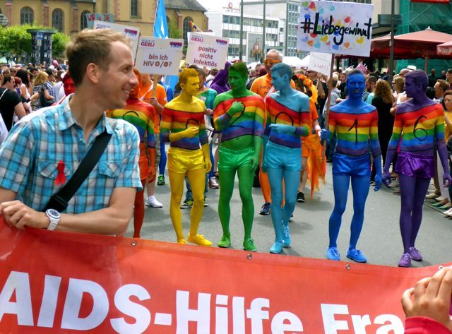 CSD FRANKFURT 2016 DIversity rocks - www.UnitedColors.de - Christopher Street Day in allen Farben... Hier ein paar Impressionen! YouTube: www.YouTube.com/jschreiter  ---  Visionary, Location Scout, Photography | © Jürgen R. Schreiter, 2016 --- www.JuergenSchreiter.com www.Facebook.com/JRSchreiter  --- #csd #christopherstreetday #csdfrankfurt #csd2016 #gay #lesbian #homophob #schwul #lesbisch #parade #umzug #diversity #love #liebegegenrechts #spd #cdu #fdp #diegrünen #gayday #adler #fra